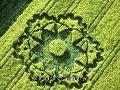 Suzanne Taylor - What On Earth - Inside The Crop Circle Mystery (2009)